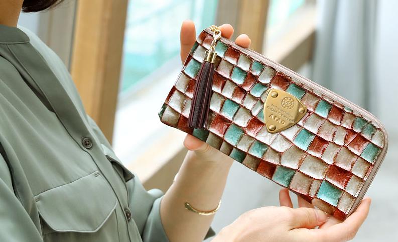 701540347f36 ATAOのL字財布「リモ」は使いやすい?人気色やリアルな口コミを紹介 ...