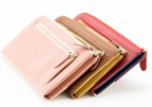 49949332287f JOGGOのL字ファスナー長財布のメンズ・レディースは表面のレザーだけではなく、ファスナーの金具の色もそれぞれ異なります。こちらはメンズが「シルバー」、レディース  ...