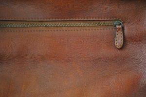 8721ed44dd27 無印良品のヌメ革は2種類あります。それぞれの特徴や選び方をご紹介しますので、財布選びの参考にしてみてくださいね。